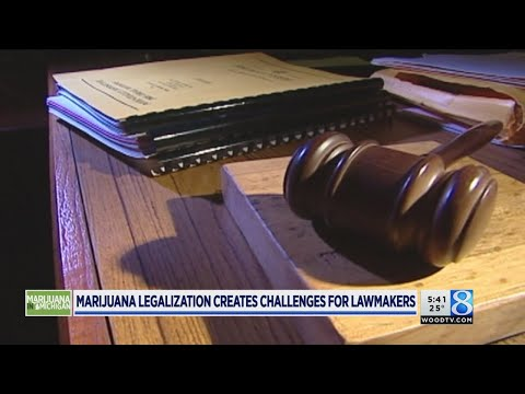 Lawmakers ready for recreational pot court battles