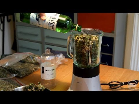 Making cannabis oil (unheated method)